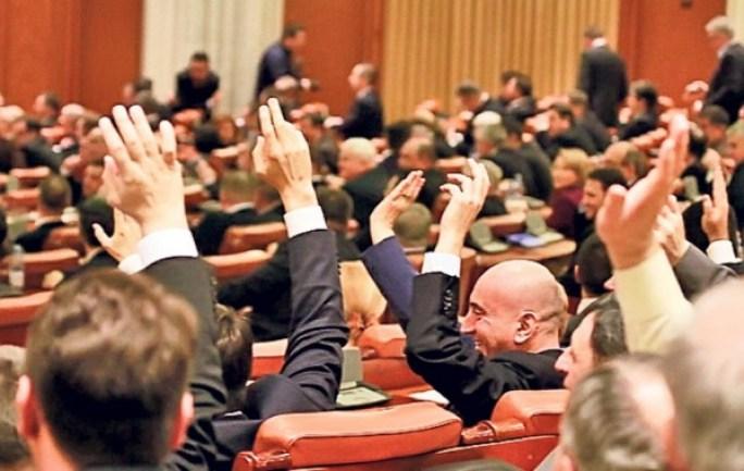 04-vot-parlament-02_4b0e1e2b80_01-1024x768