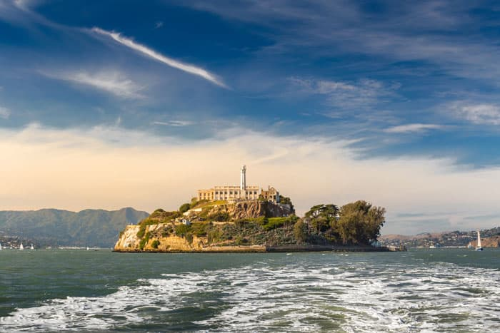 Alcatraz Island! Top 10 Things to do in San Francisco - Read more on Avenly Lane Travel!