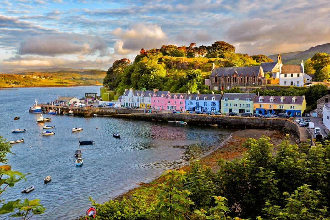 View on Portree before sunset. Click through to see 28 more mind blowing photos of Scotland!