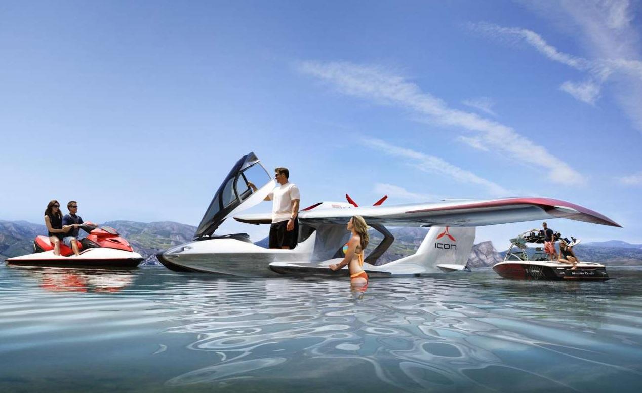 Icon A5 na praia, em uma de suas imagens promocionais. Fonte: Icon Aircraft.
