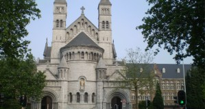 Collège-Saint-Michel-featured-image-five-boys-expelled-consensual-group-sex-rape