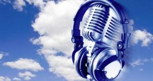 Radio microphone headphones featured image