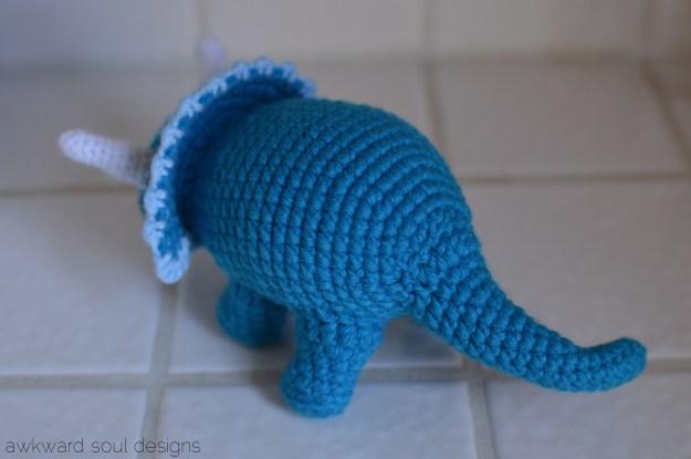 triceratops amigurumi by awkwardsoul designs blue (2)