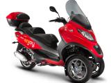 Enjoy scooter sharing Piaggio MP3