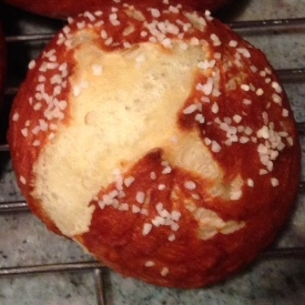 Pretzel Bun Single