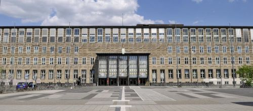 Th University of Cologne: spartan but inexpensive.