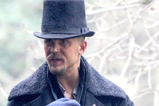tom-hardy-taboo-set-02052016-lead01-600x450