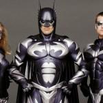 Joel Schumacher riflette su Batman Forever e sui capezzoli della Bat-suit!
