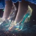 La creazione delle scarpette di cristallo in una nuova clip di Cenerentola in italiano