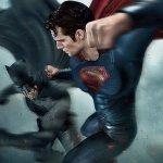 Batman V Superman: scontro tra supereroi nelle nuove immagini del merchandise