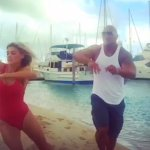 Baywatch: Dawyne Johnson mostra le doti di Kelly Rohrbach come nuova C.J. Parker!