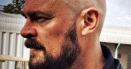 Thor: Ragnarok, Karl Urban mostra il suo nuovo taglio di capelli dal set del film