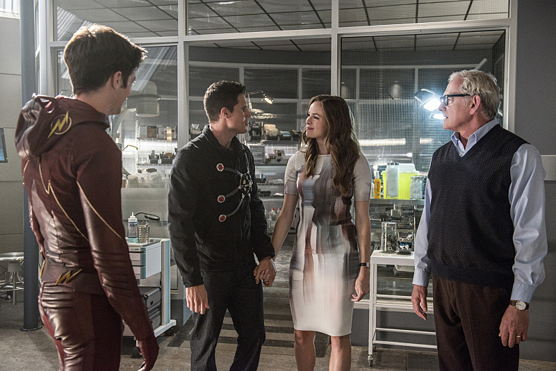 """The Flash - 2x01 - """"The Man who Saved Central City"""""""