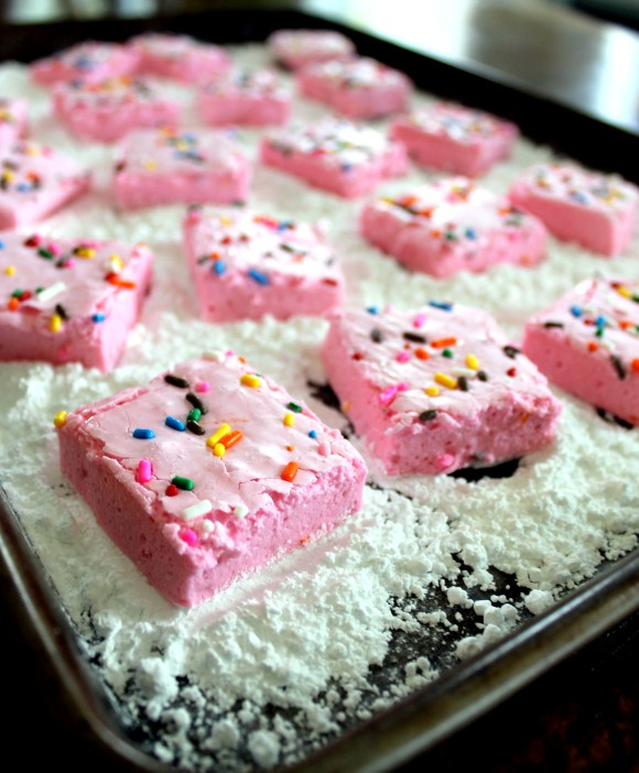 Homemade Cake Batter Marshmallows are irresistible! These marshmallows are way better than their store bought counterparts. Pair with white chocolate for a delicious s'mores.