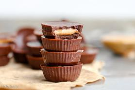Homemade Peanut Butter Cups (Gluten Free, Refined Sugar Free + Vegan)
