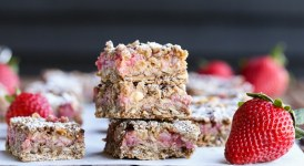 Strawberry Oatmeal Crumble Bars (Gluten Free + Vegan)