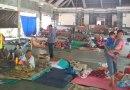 Pengungsi di Bugbug Kesulitan Alas Tidur dan MCK