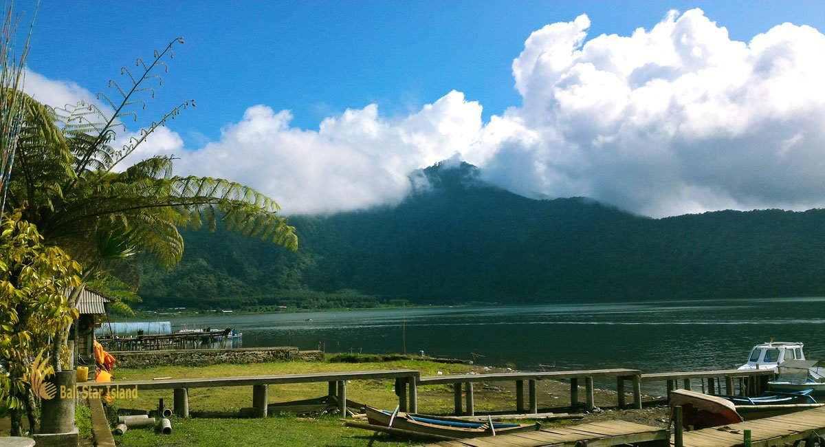 Beratan Lake – Bedugul Bali Places of Interest
