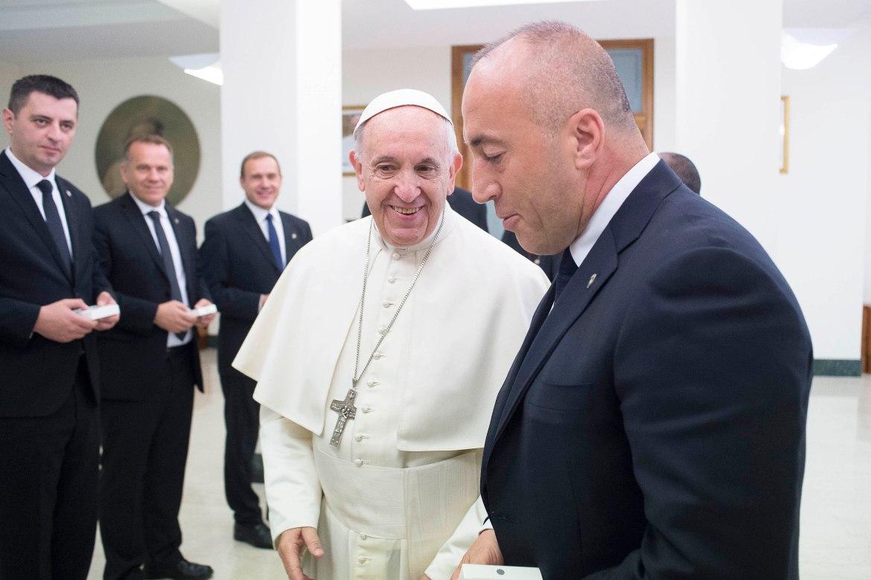 Papa-Haradinaj 3