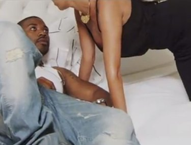 Ray J ft. Bobby Brackins: I Hit It First (Video)