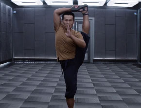 Movie Trailers: Man Of Tai Chi (Starring Keanu Reeves)
