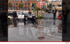 Suge Knight pulled over by LAPD, guns drawn.