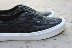 Vans LXVI Authentic Lite Stealth/Black