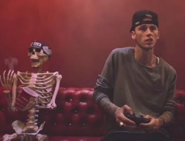 Machine Gun Kelly - Almost (Video)
