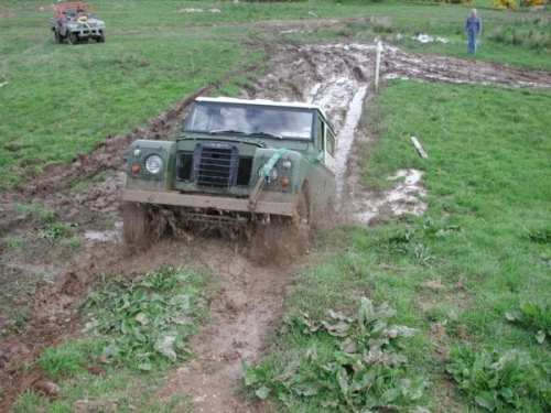 Land_Rover_Series_III_mud_bogging