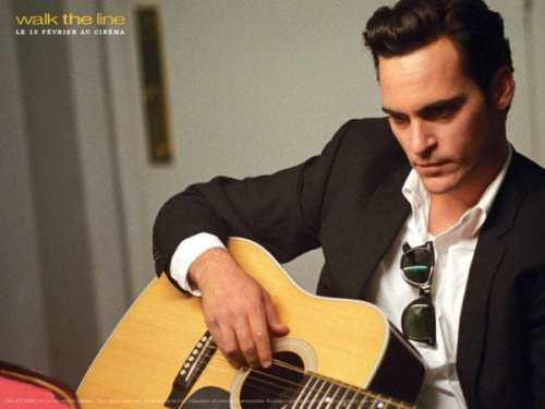 Joaquin-Phoenix-as-Johnny-Cash-walk-the-line-22777646-1024-768