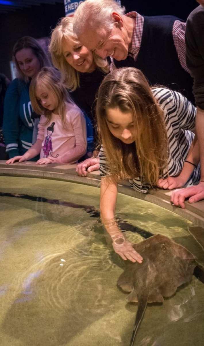 VP Joe Biden and family visit the National Aquarium