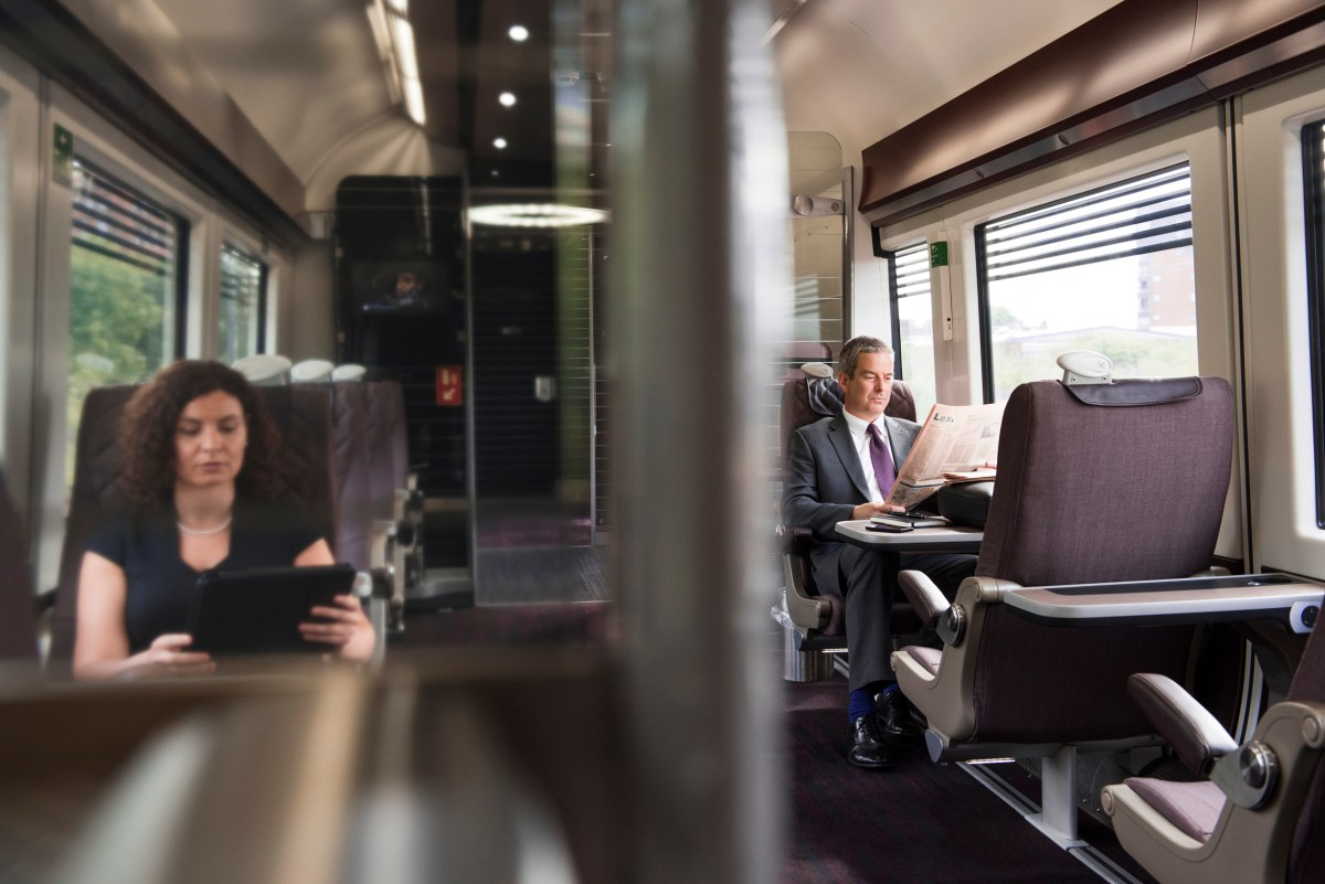 Star Alliance Gold elite flyers get a free upgrade on Heathrow Express trains