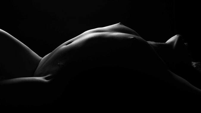 Black and White high contrast bodyscape of Carly Shae from thetutorial video above