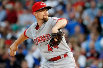 Mike+Leake+Cincinnati+Reds+v+Chicago+Cubs+6LAwM-0UHqYl