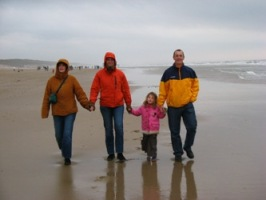 Manon, Bas, Elana en Rob on the beach in Egmond
