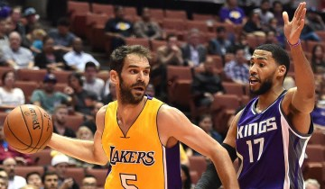 la-sp-lakers-jose-calderon-20161028