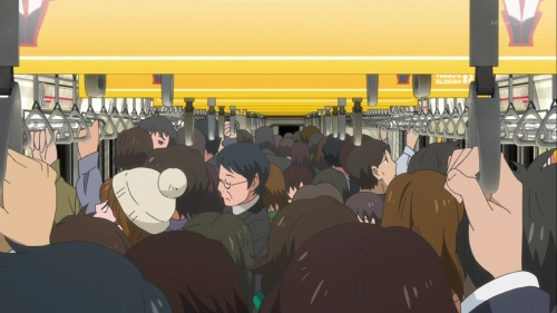 Mawaru Penguindrum: Packed like sardines on Japanese trains
