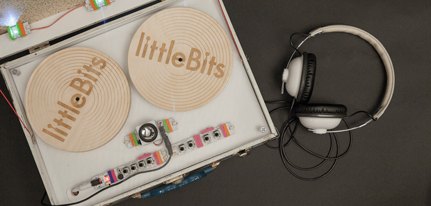 Korg Links with littleBits on Builder Block Styled Synth Kits
