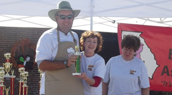 Special Pitmaster Award to Tom Wommack