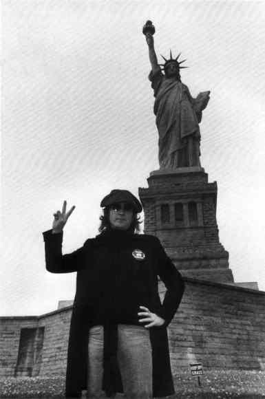 john-lennon-statue-of-liberty_01