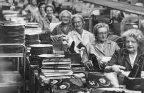 Rubber Soul production line, 1965