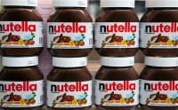 Nutella_jars_2530556b1.jpg