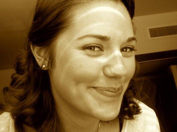 Cassie Robertson headshot 2