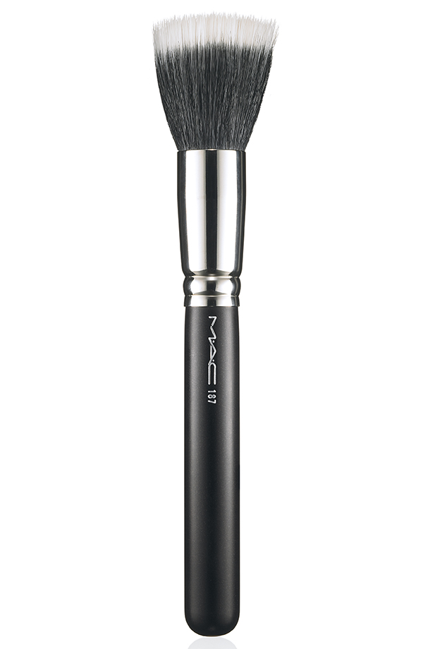 ApräsChic Brush 187 72 Introducing MAC Après Chic Collection