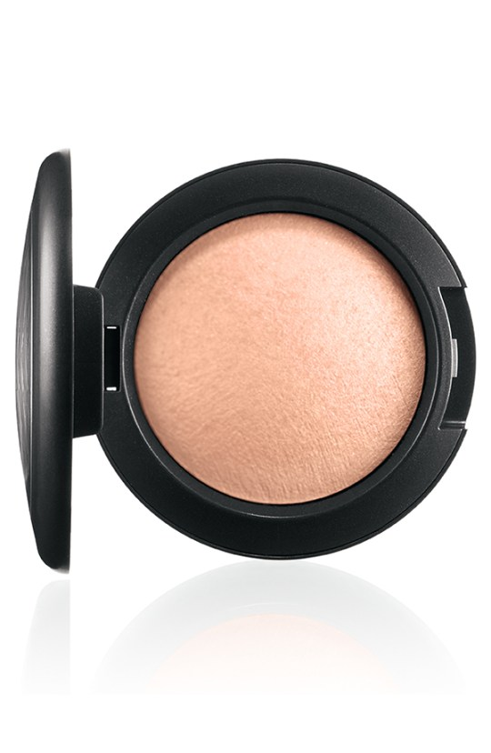 ApräsChic MineralizeBlush AmberGlow 72 Introducing MAC Après Chic Collection