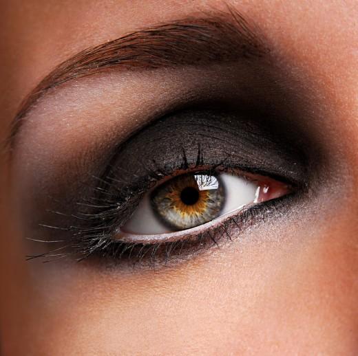 How to Apply Smoky Eye Makeup