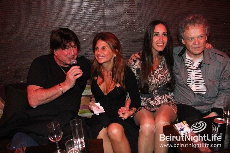 Les Annèes Bonheur Artists Sing Their Encores at Metis
