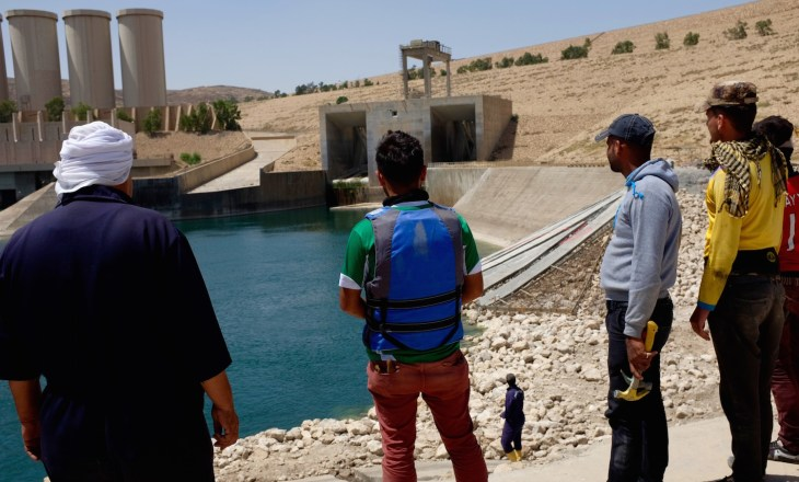 Workers at the Mosul Dam . Picture by Benedetta Argentieri
