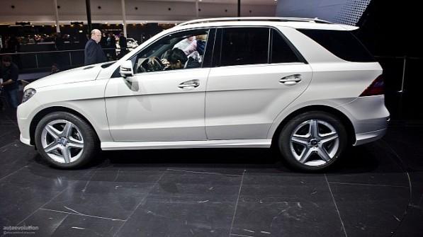 frankfurt 2011 mercedes benz m klasse live photos medium 9 597x335 New M Class Debuts At Frankfurt Auto Show