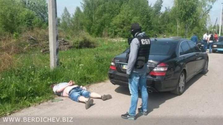 Эксклюзивные фото задержания Игоря Пирожка